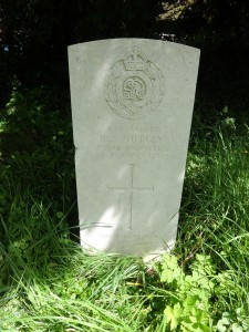 Grave of Richard Nutley in Heyshott churchyard